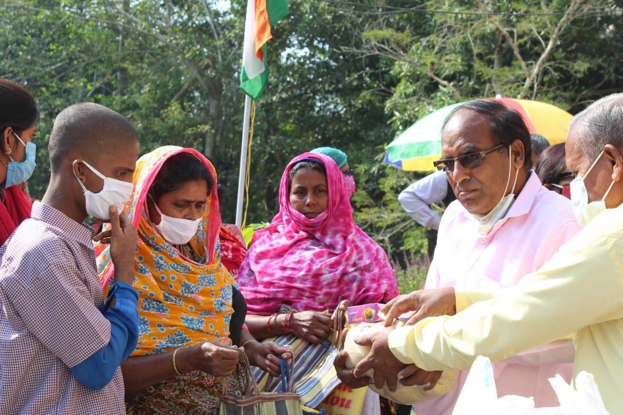 """প্রতিবন্ধী বাচ্চাদের স্বাভাবিক জীবনে ফিরিয়ে আনতে ছোট্ট প্রচেষ্টা  """"দিশা প্রতিবন্ধী স্কুল"""" ও """"বসু এন্টারপ্রইজ"""" এর"""